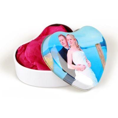 custom printed heart favour tin