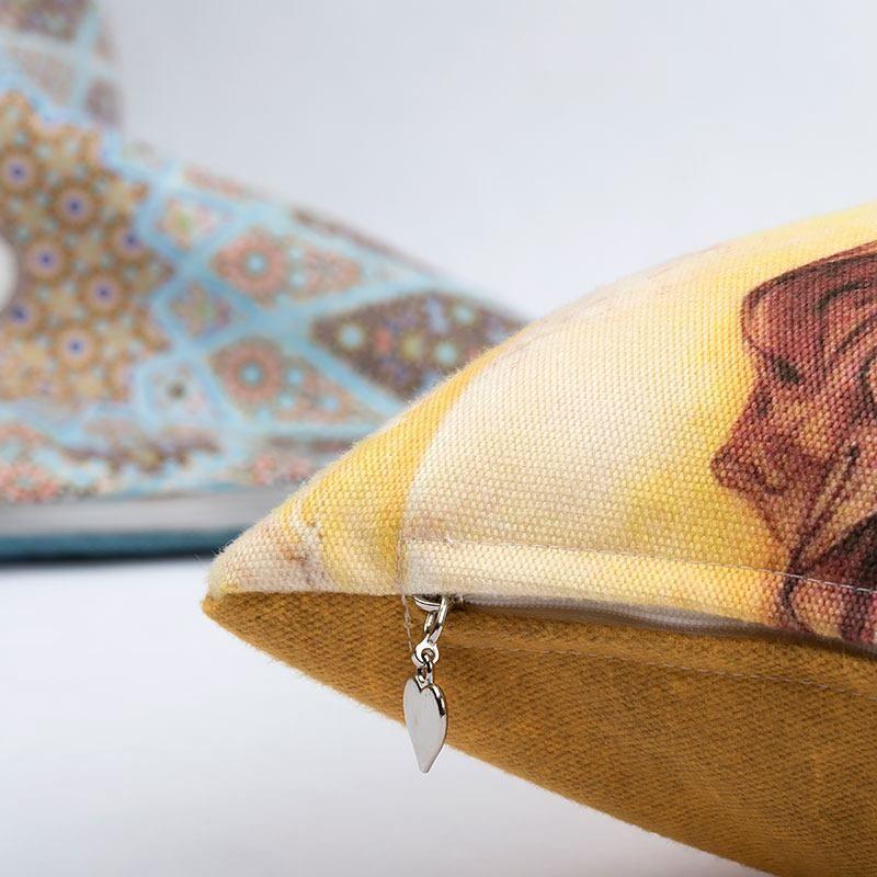 pillow set zipper detail