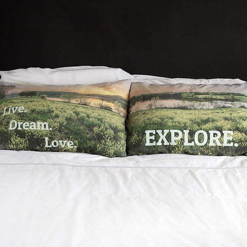 taie d 39 oreiller personnalis e avec photos et texte id e cadeau photo. Black Bedroom Furniture Sets. Home Design Ideas