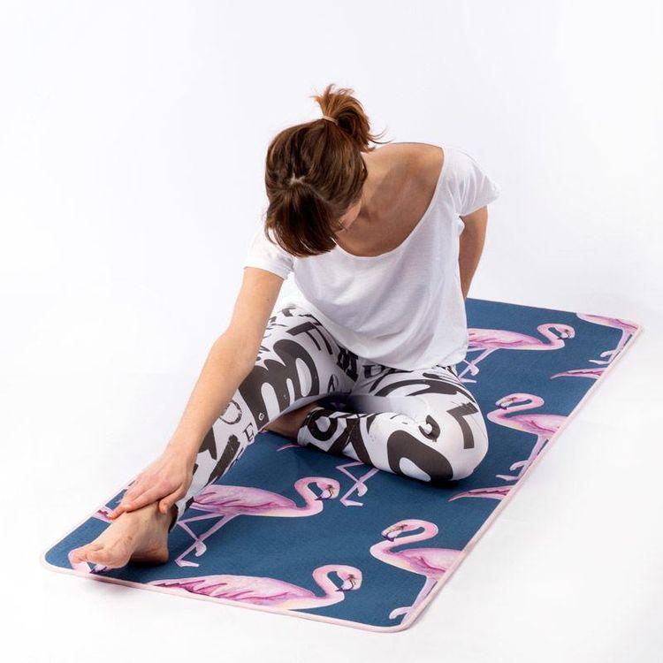 Esterilla de yoga personalizada para estiramientos