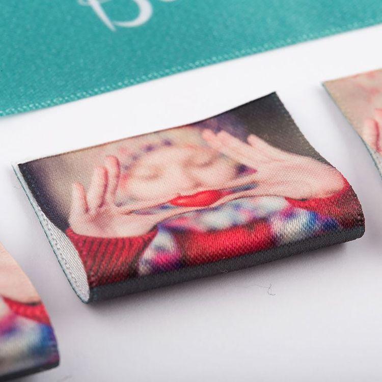 vävda textiletiketter med foto