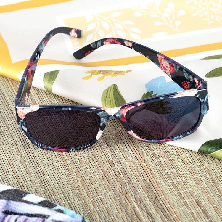 Lunettes de soleil personnalisées pour plage