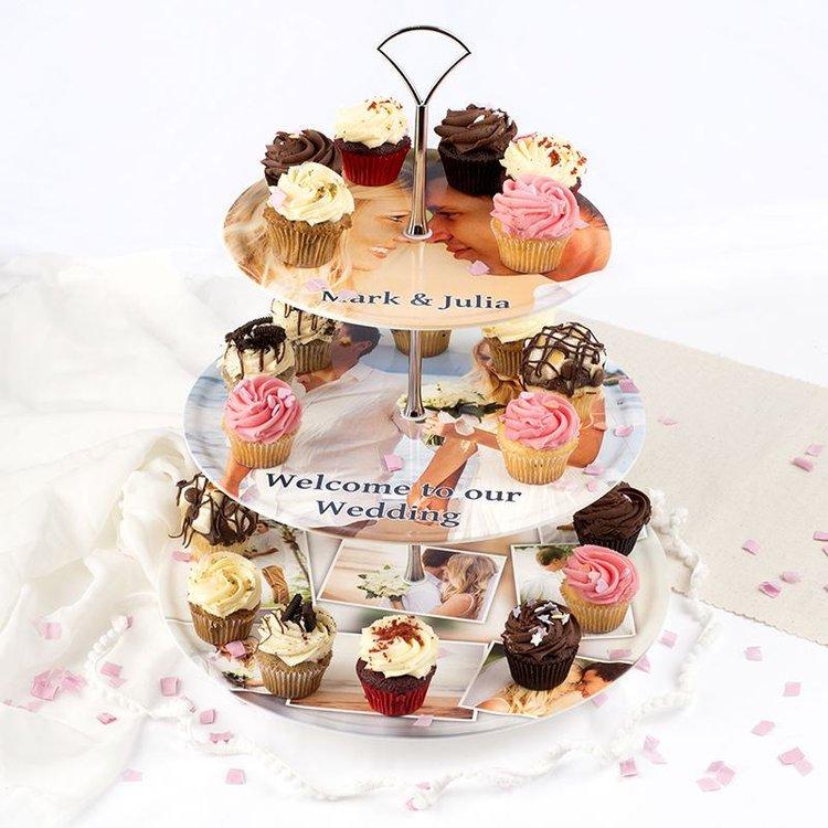 gepersonaliseerd taart plateau bruiloft