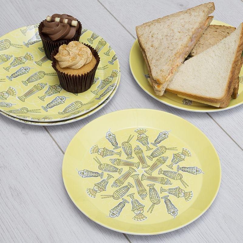 Plastic Party Plates