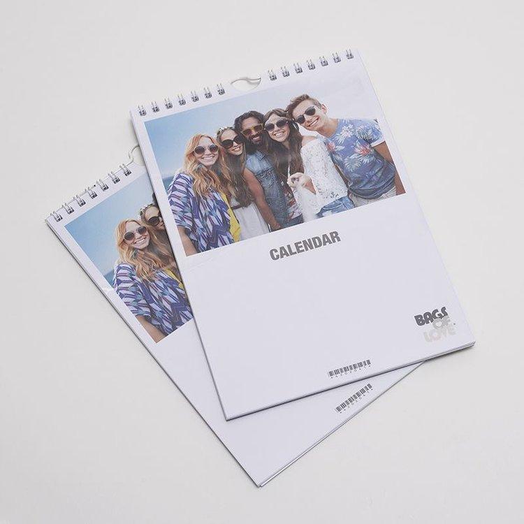 fotokalender vorderseite mit gruppenfoto