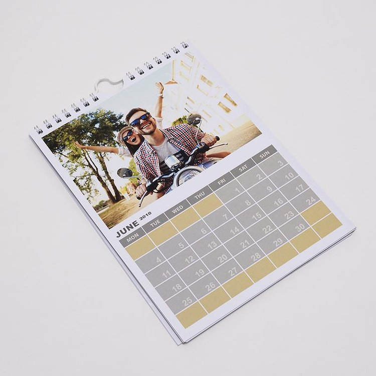 jahreskalender a5 selber gestalten a5 fotokalender bedrucken. Black Bedroom Furniture Sets. Home Design Ideas