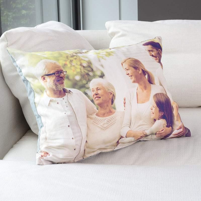 sofakissen bedrucken mit fotos dekokissen selbst gestalten. Black Bedroom Furniture Sets. Home Design Ideas