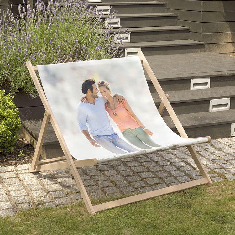 gepersonaliseerde brede strandstoel bruidspaar