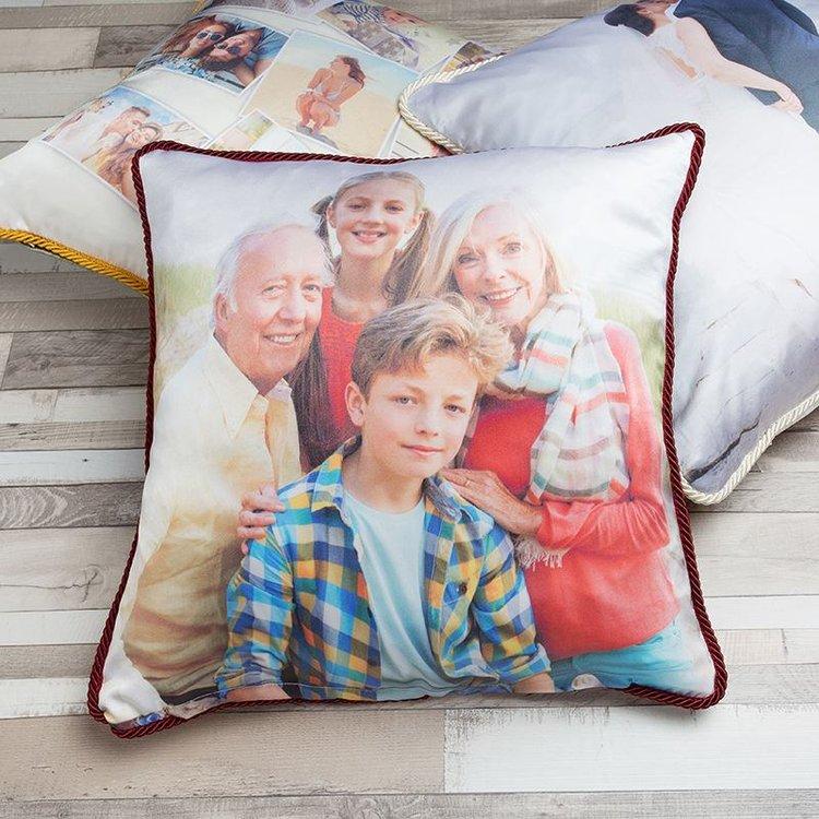 Coussin en soie avec photo de famille
