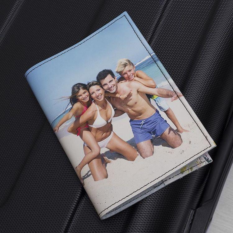 passportfodral med tryck för hela familjen