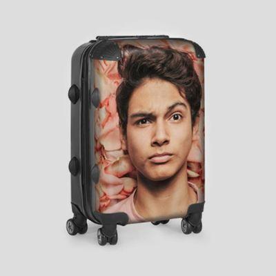 koffer met gezicht