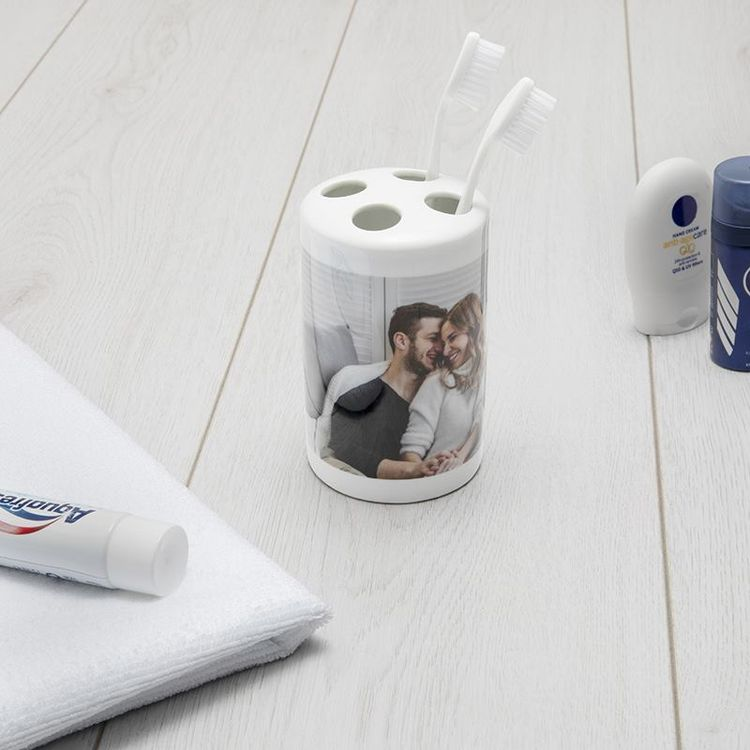 gepersonaliseerde tandenborstelhouder voor hem en haar bruiloft