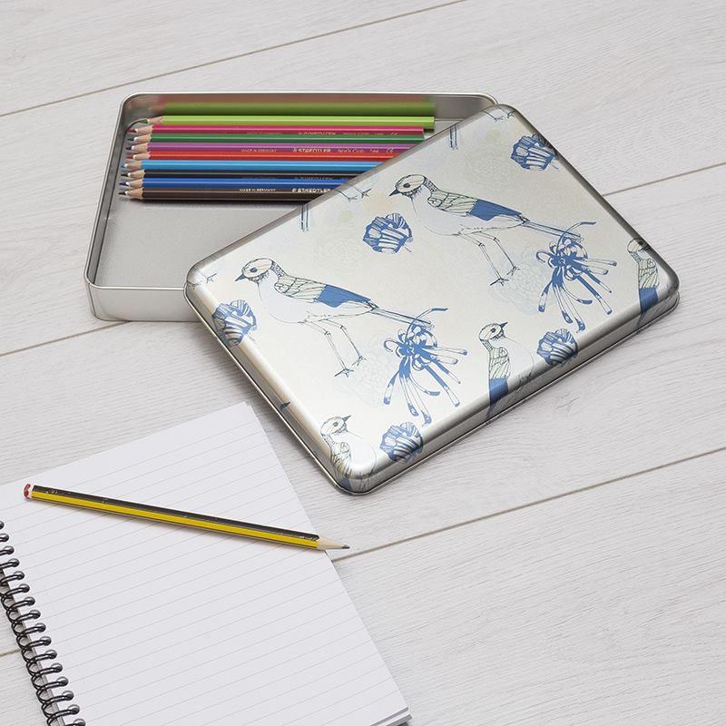 Boîte métallique pour rangement de crayons