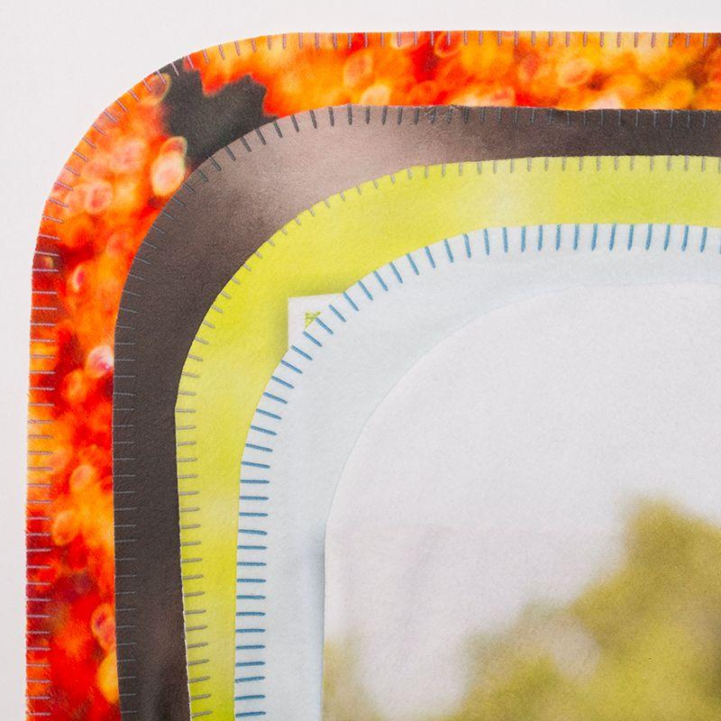 details of fleece blanket edge