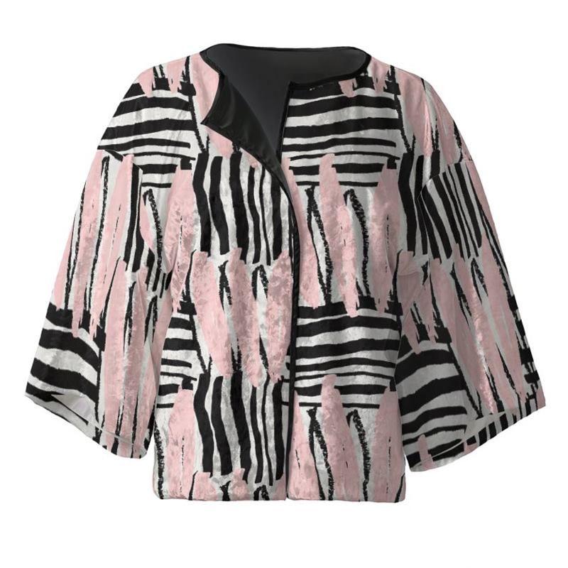 Veste kimono courte avec design sur soie artificielle