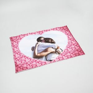 Design personalised heart blankets