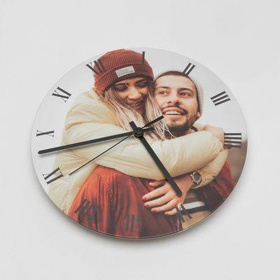 Round photo clocks
