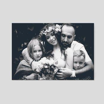 schwarz weiß leinwand bedruckt mit familienfoto
