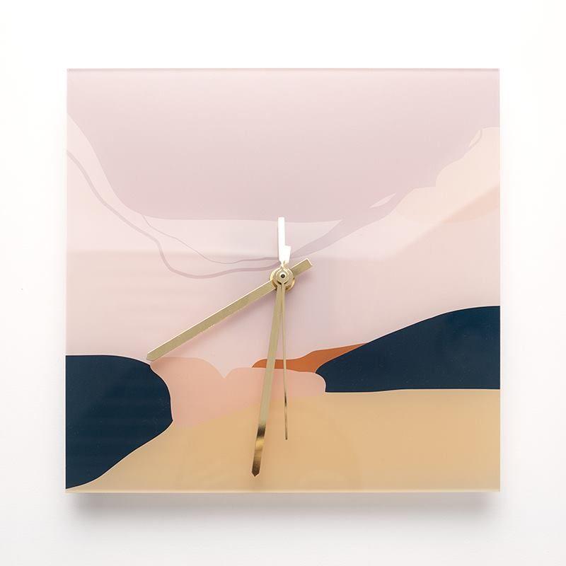 design customized clocks
