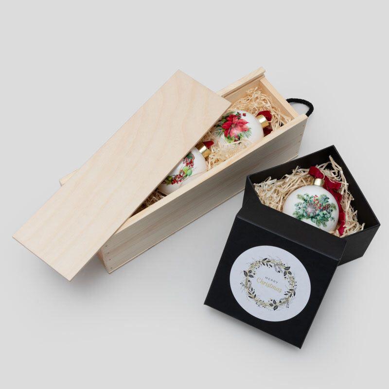 opzione di scatola regalo delle palline di natale in ceramica personalizzate