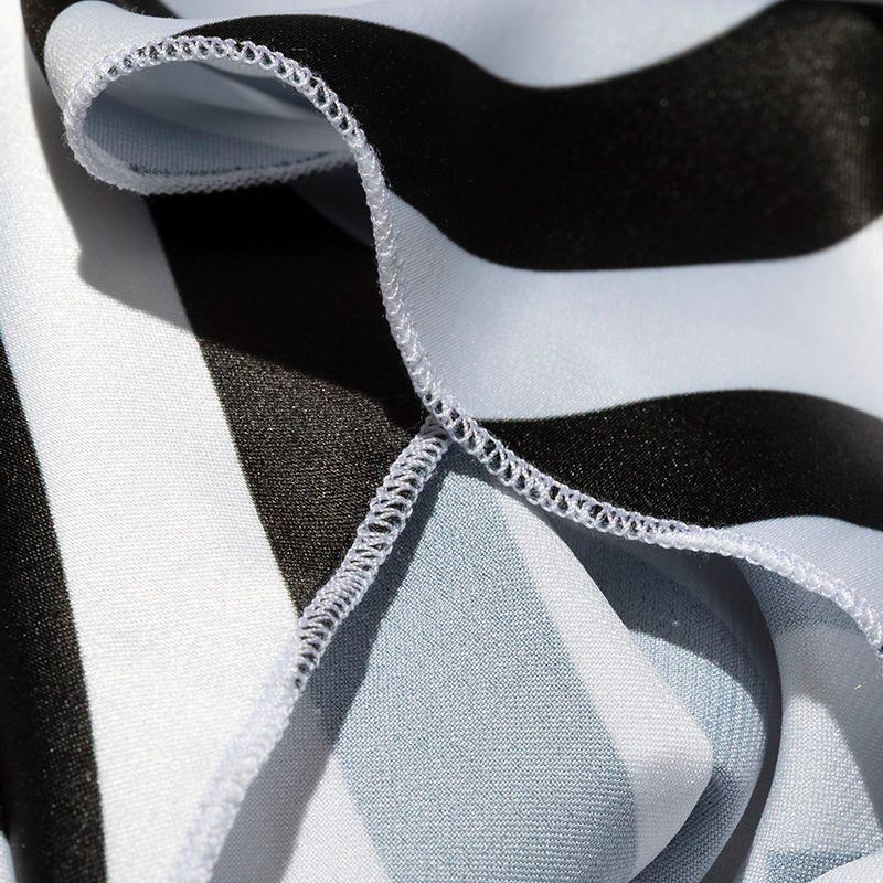 foulard carré en soie imprimé