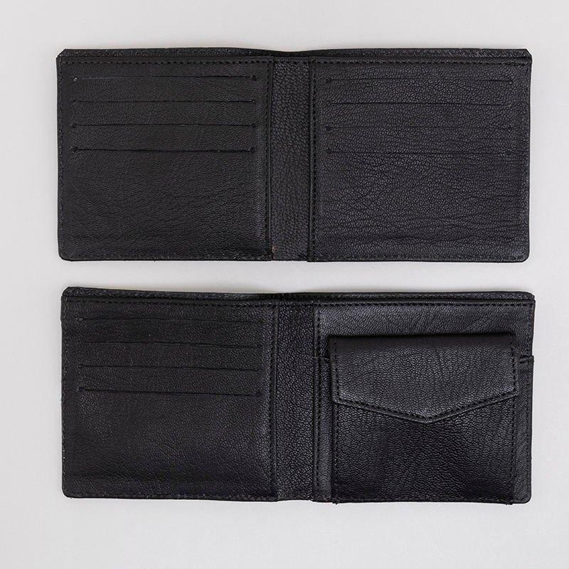 due diversi interni del portafogli personalizzato
