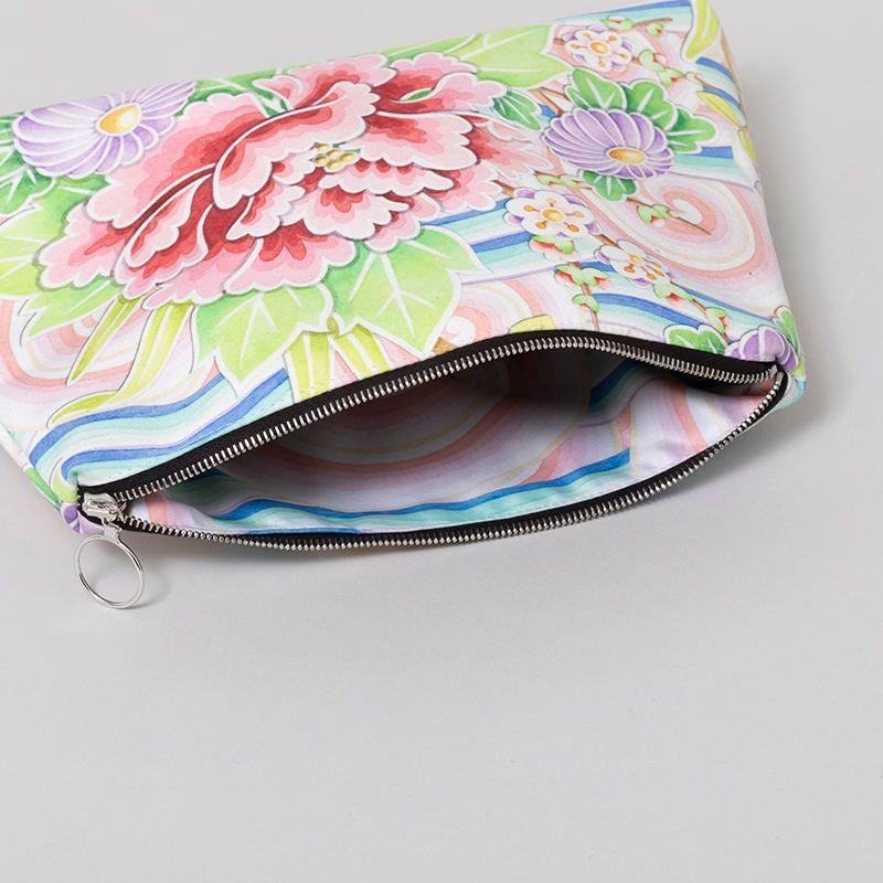 zipper detail custom clutch bag