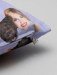face cushion zip detail