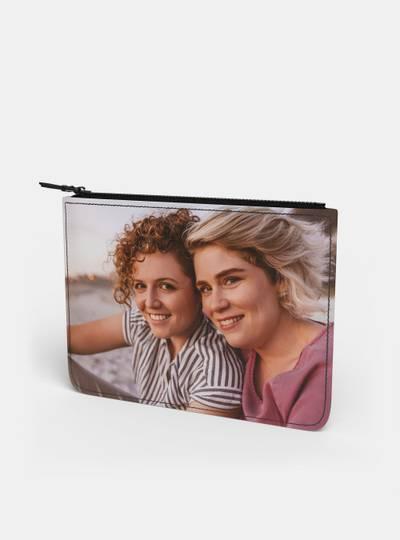 sac pochette en cuir avec photo