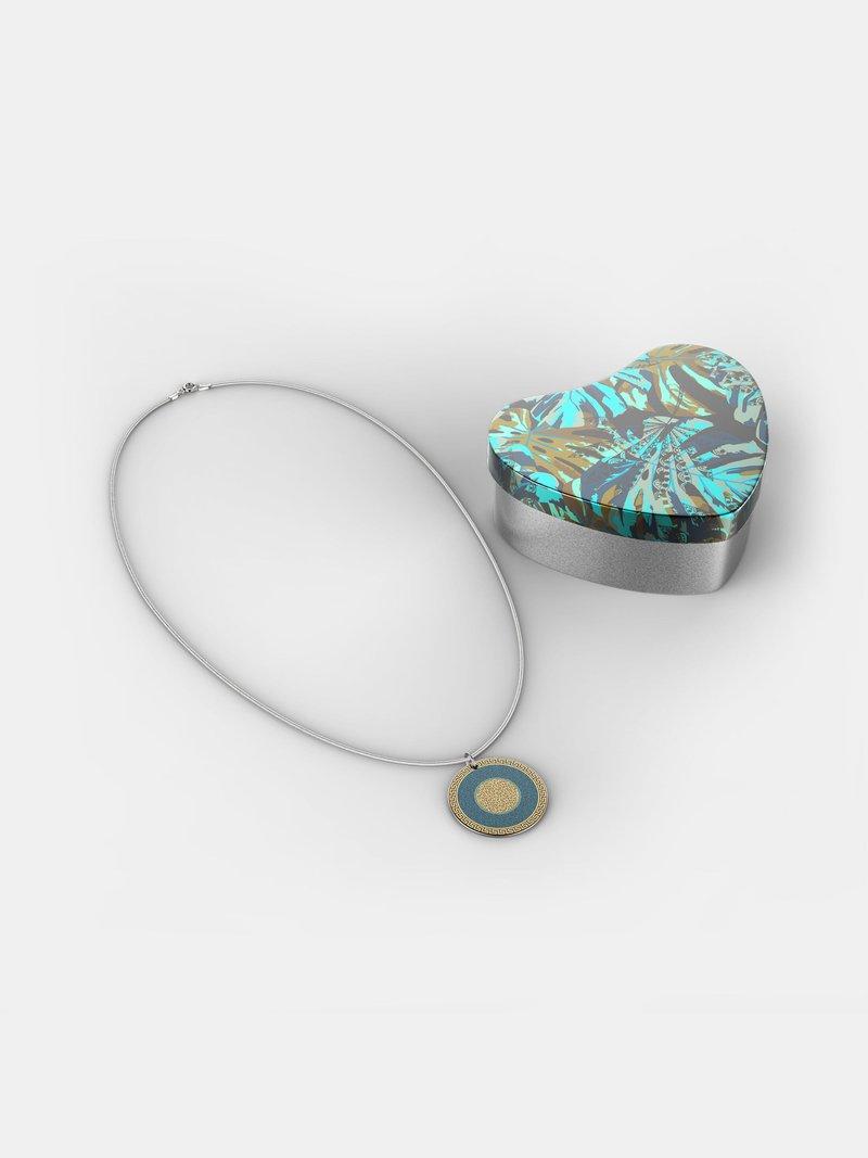 egendesignat halsband av sterlingsilver
