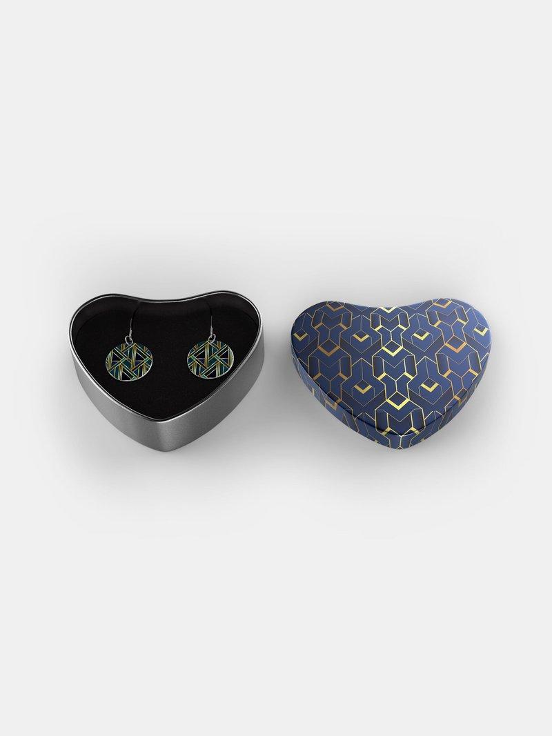 zilveren oorbellen en geschenkdoos ontwerpen