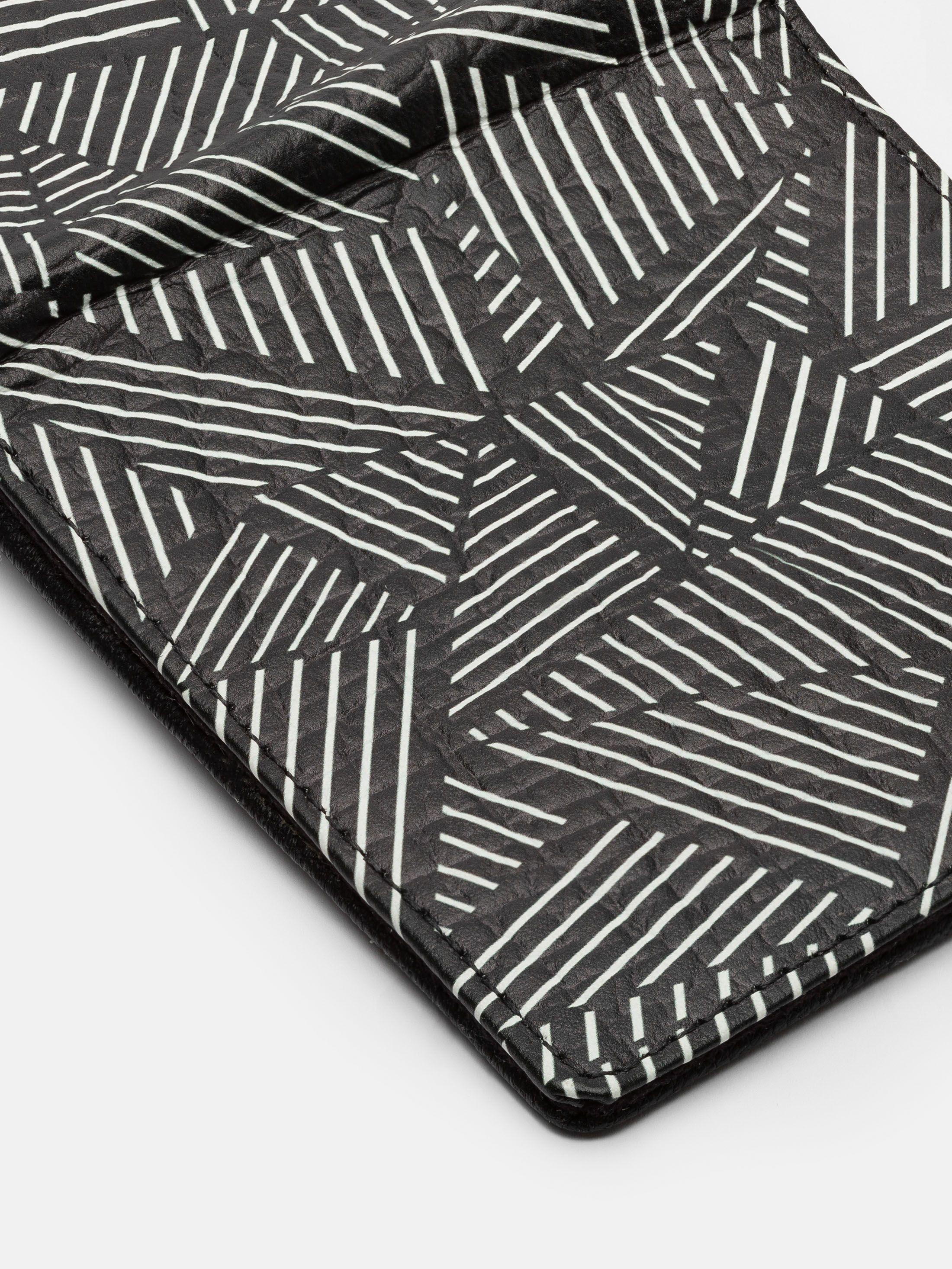 custom wallets leather detail
