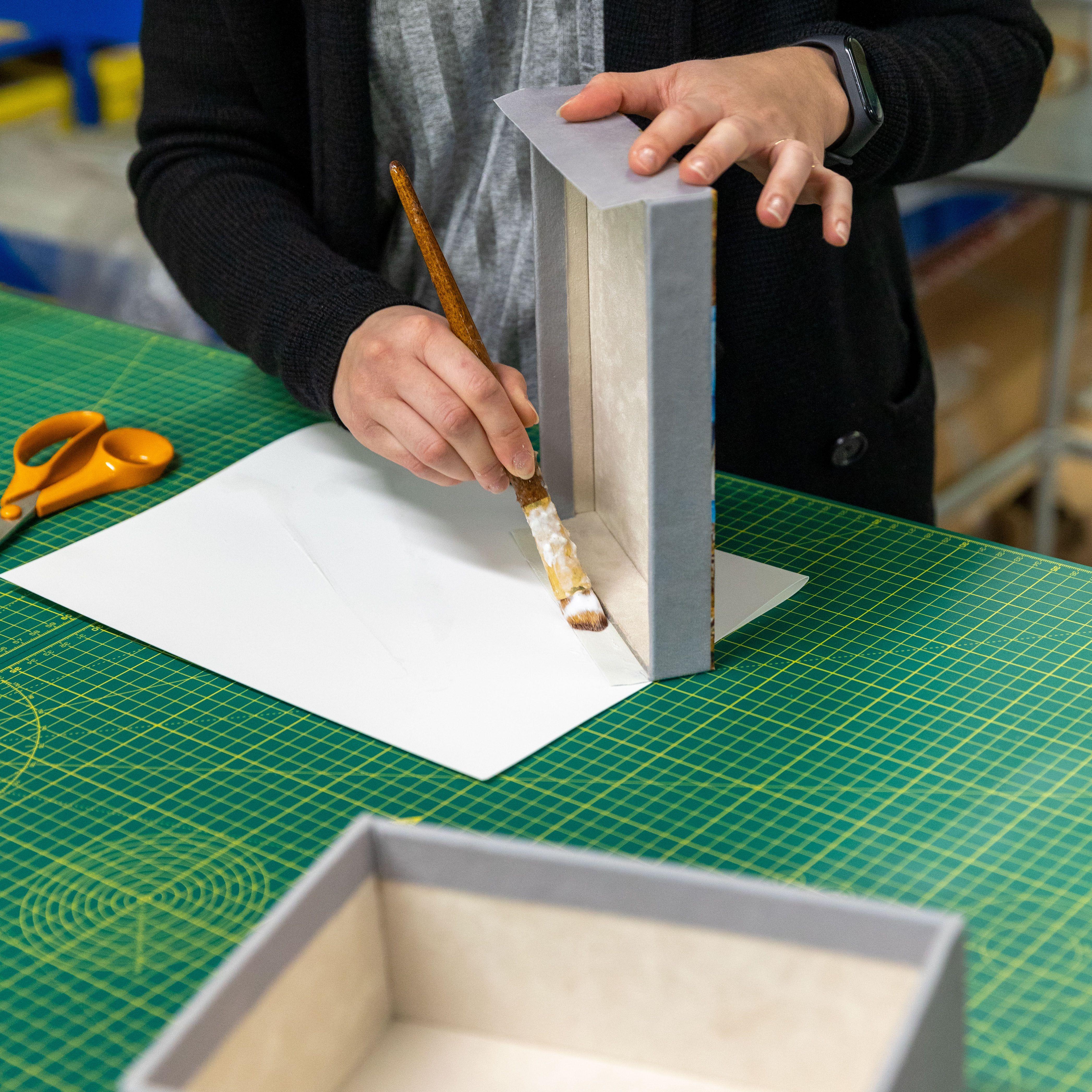 box with photo uk