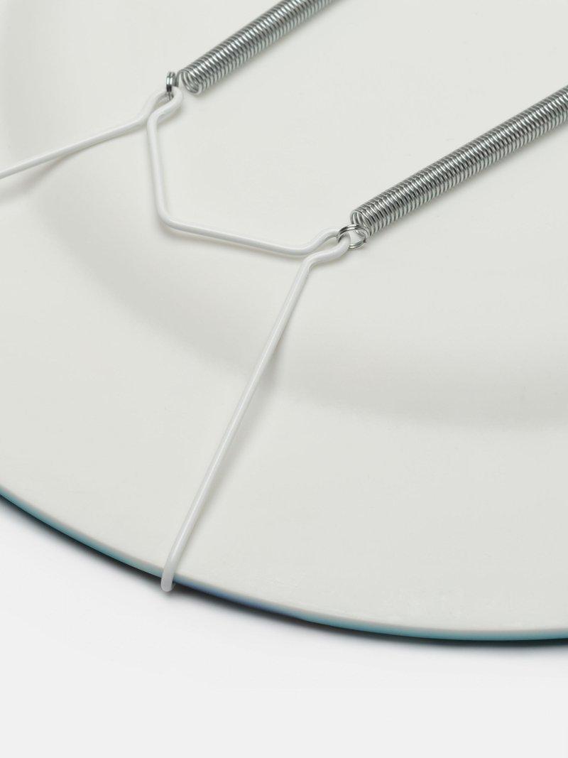 dettaglio del piatto decorativo in resina