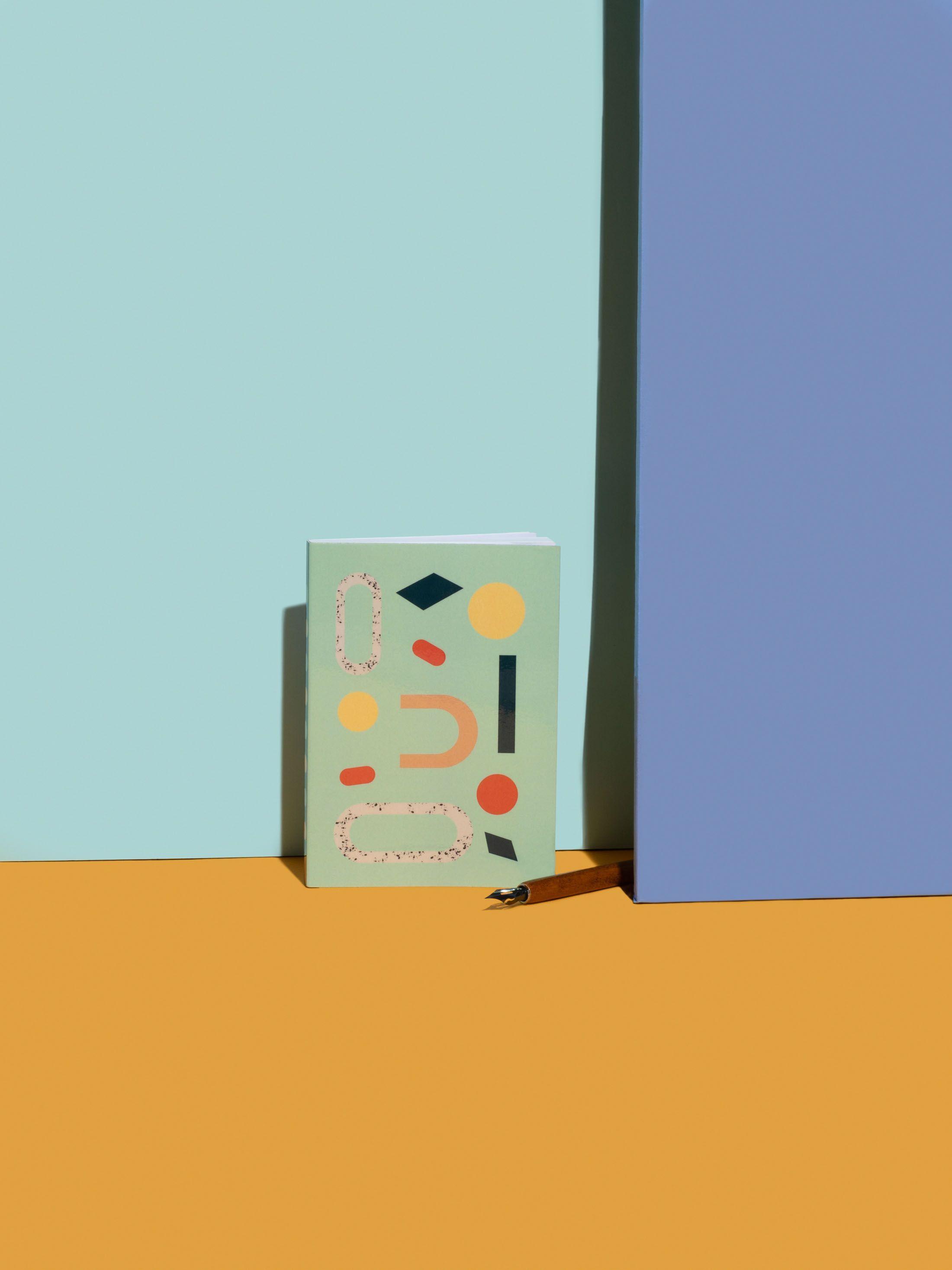 Carnet de dessin personnalisé avec design abstrait