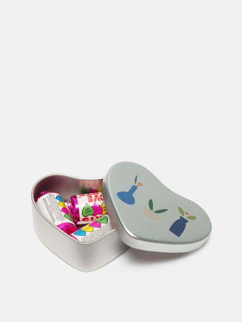Impressions sur boîte en forme de coeur