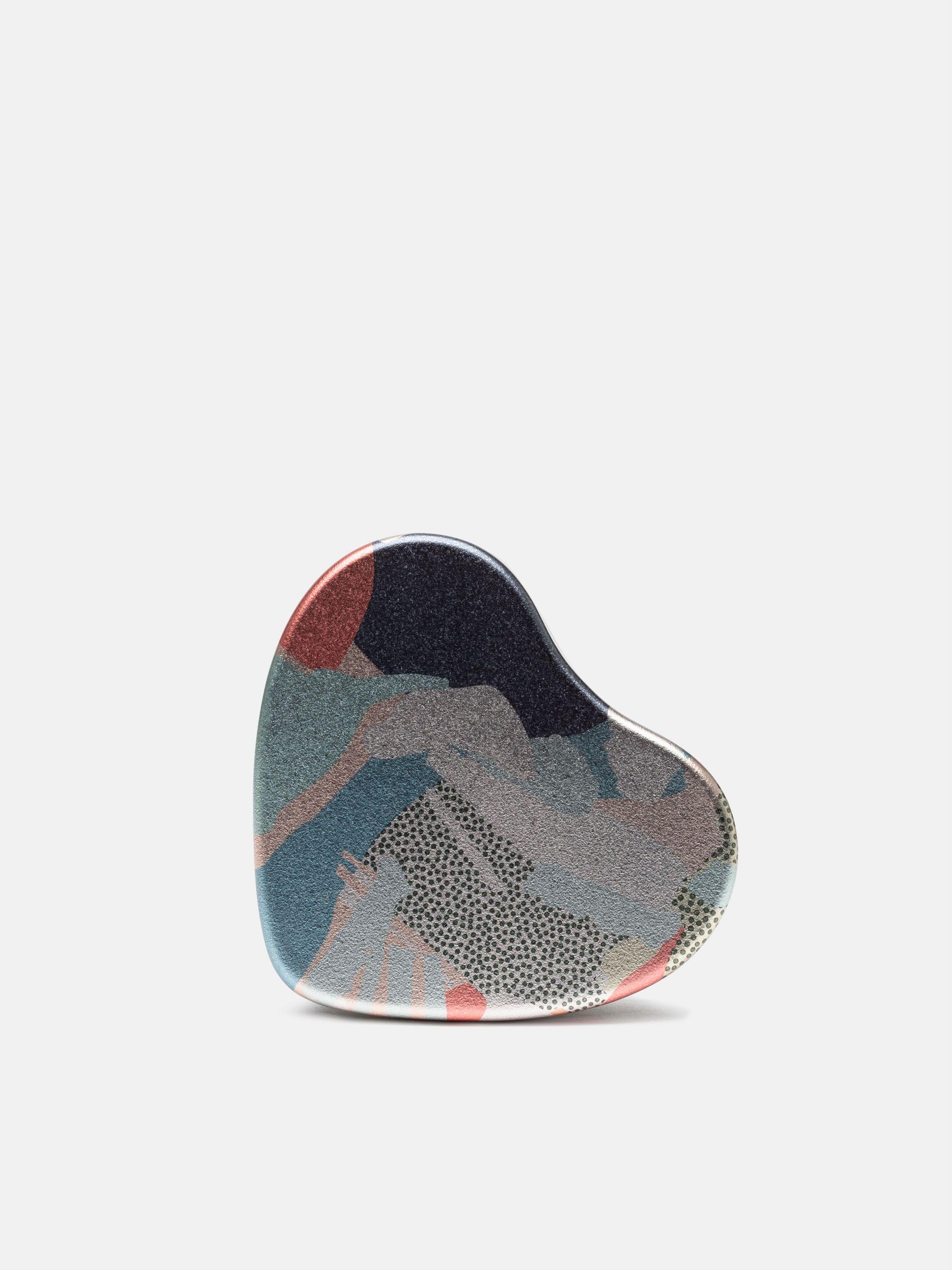 custom heart tin