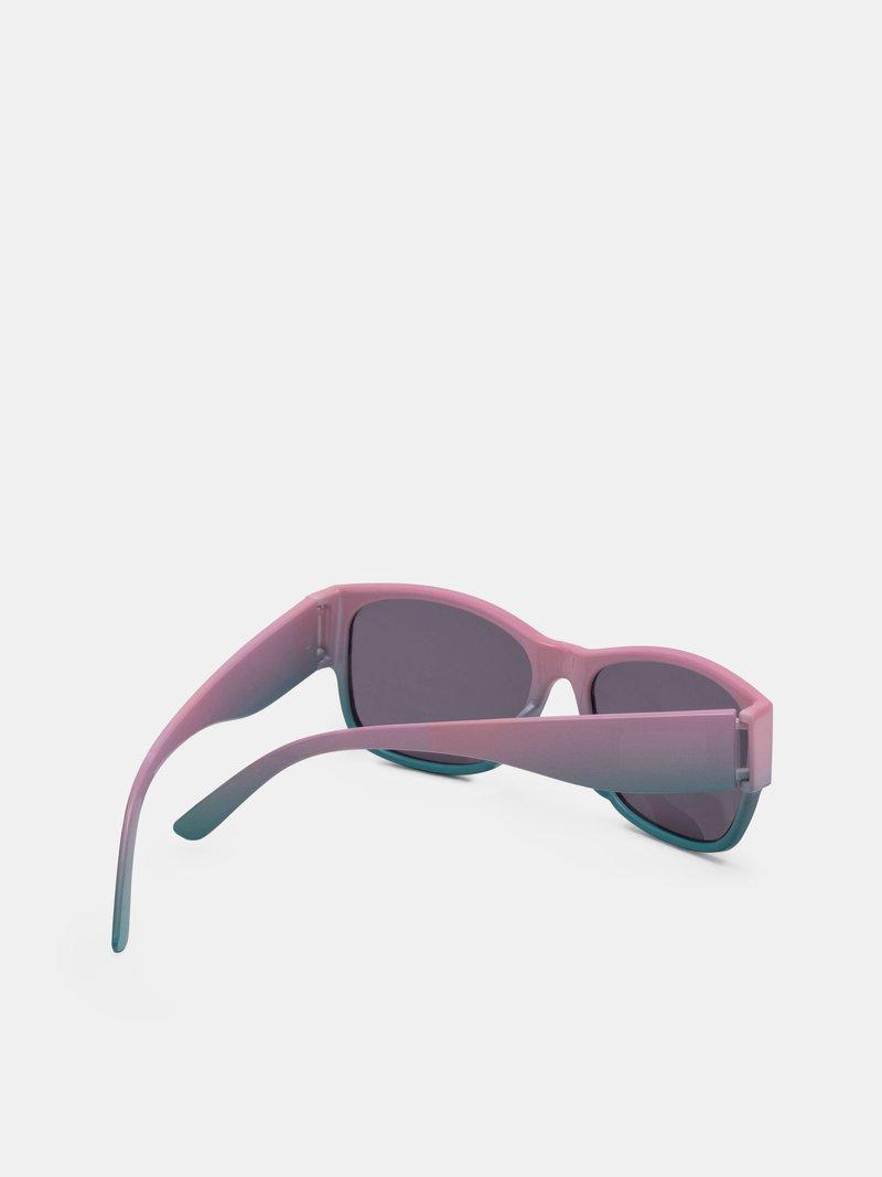 produzione occhiali da sole personalizzati