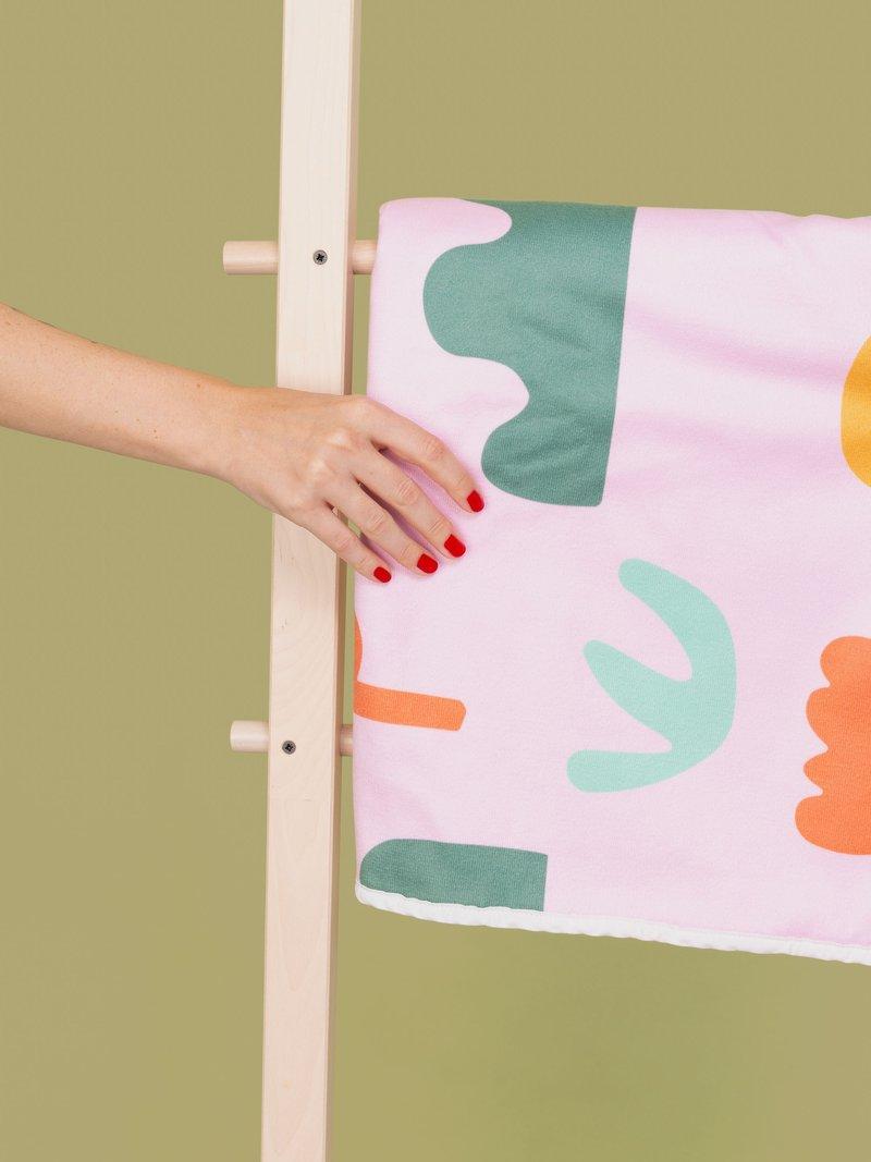 Serviette de plage avec dessin coloré