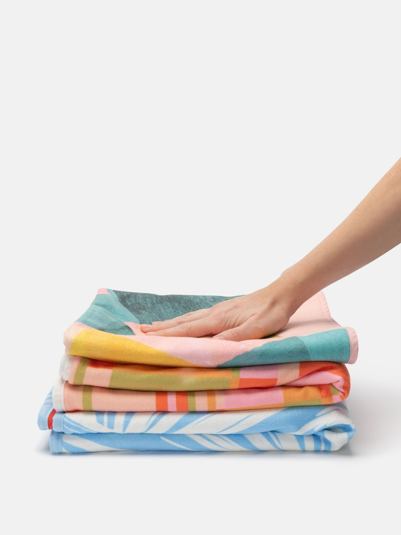 beach towel pile