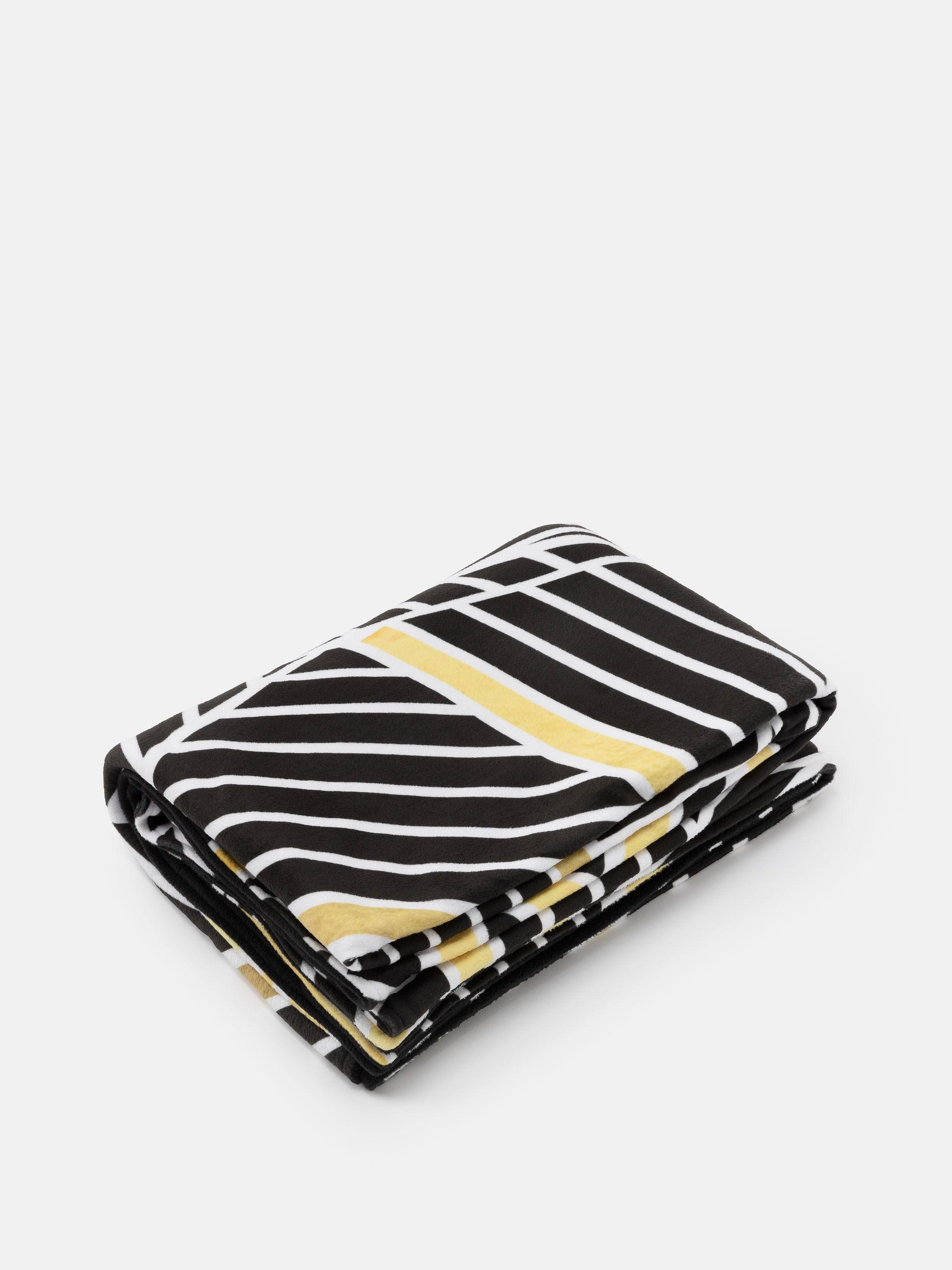 blankets range