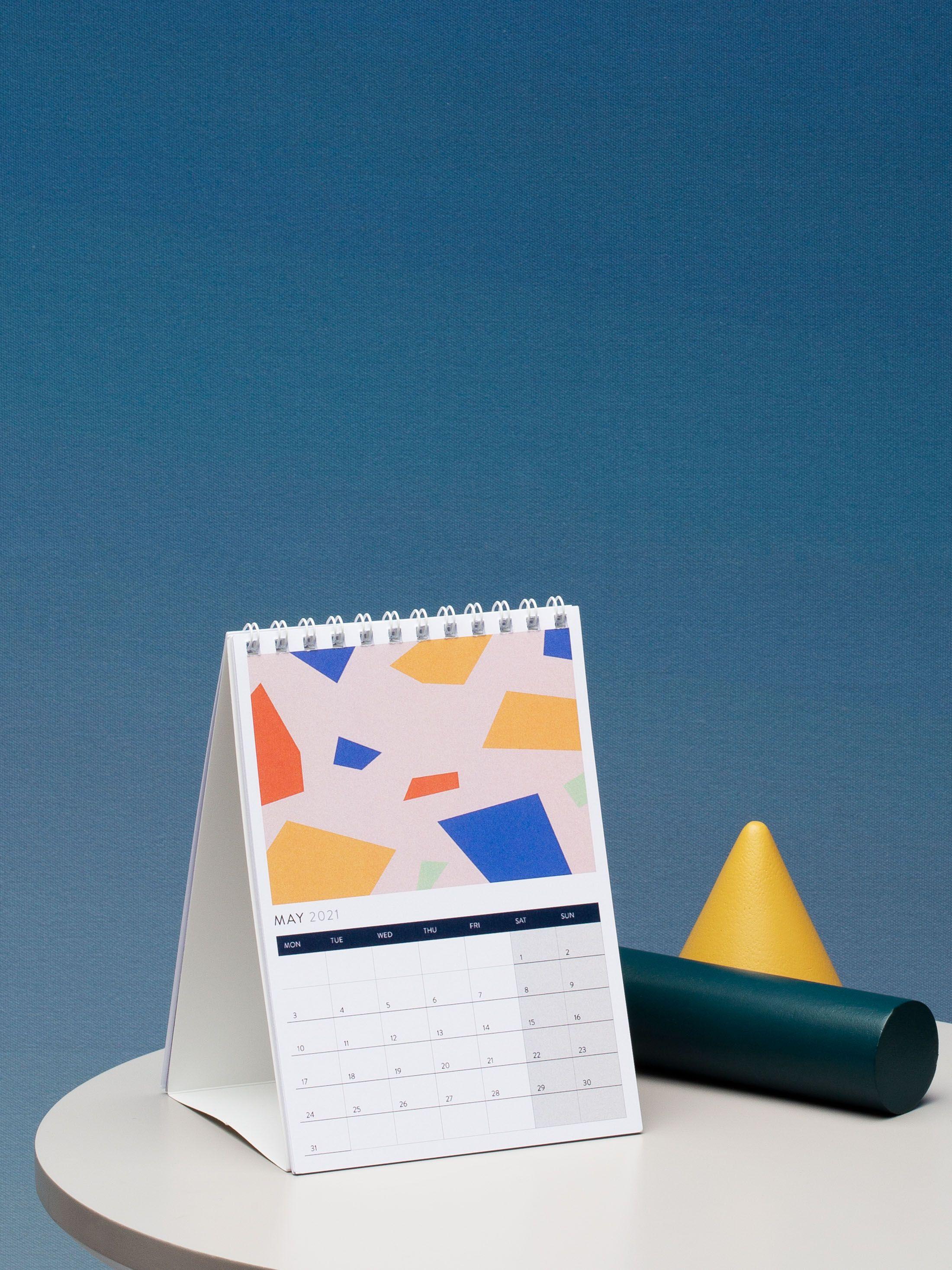personalised desk calendar UK