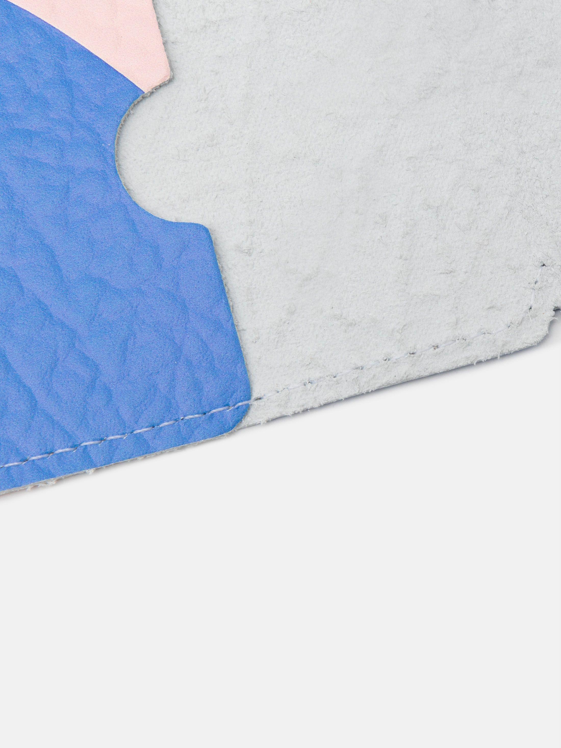 kortfodral av läder med eget tryck