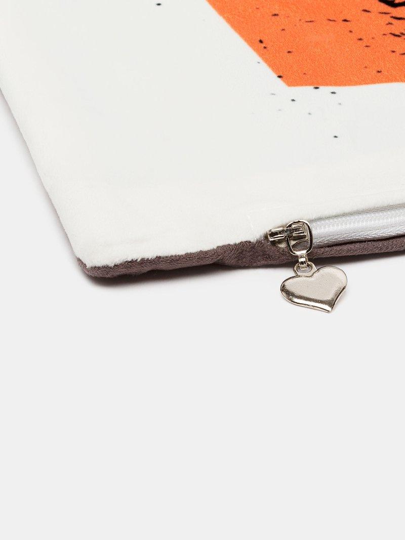 pillow printing zip detail