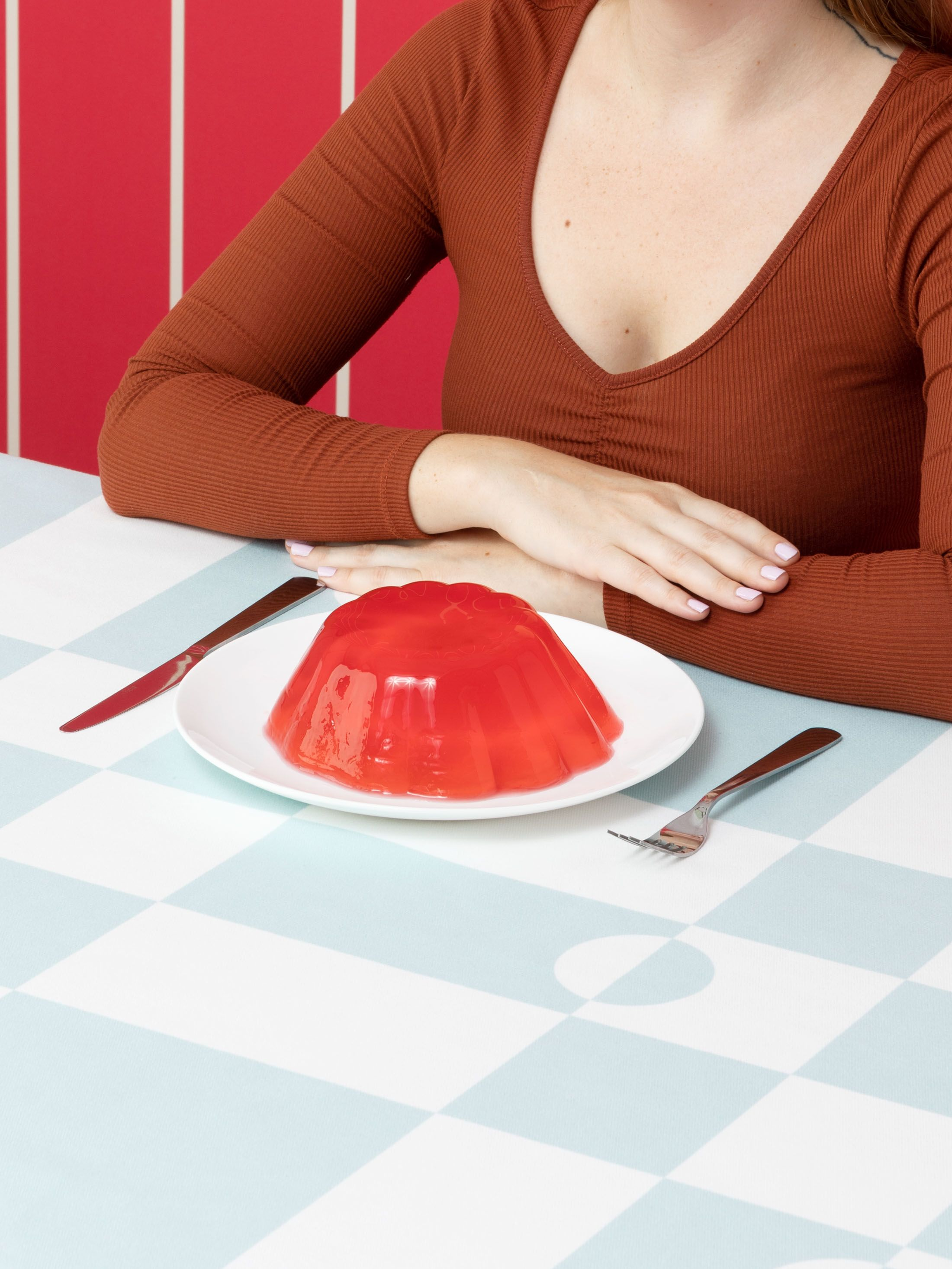 printed tablecloths edges