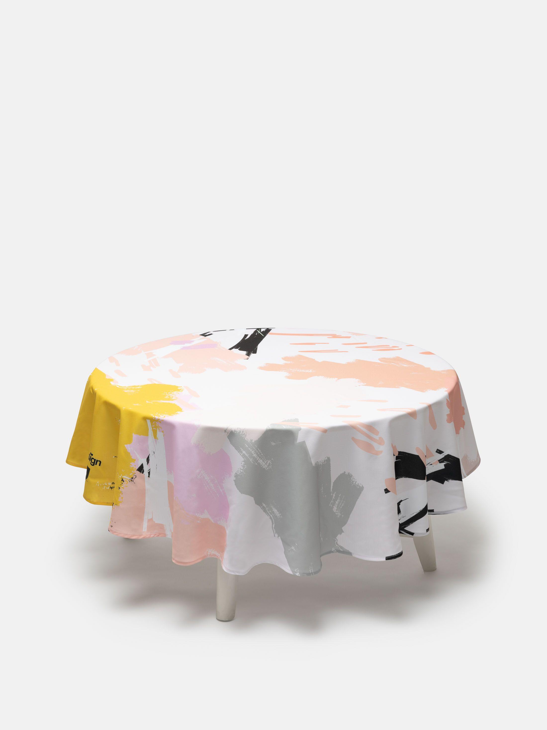 Nappe imprimée avec design géométrique