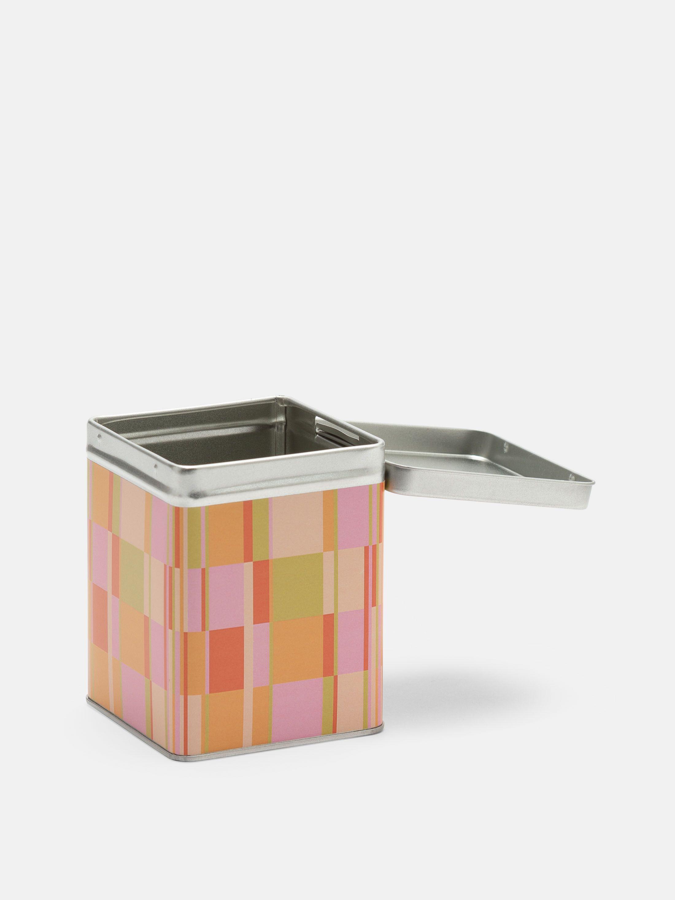 ロイヤルデザインの お茶保存缶