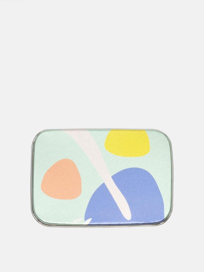 ポケットサイズのシルバーケースにデザイン印刷