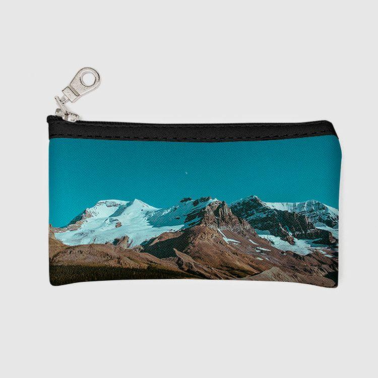 Design Your Own Travel Makeup Bag