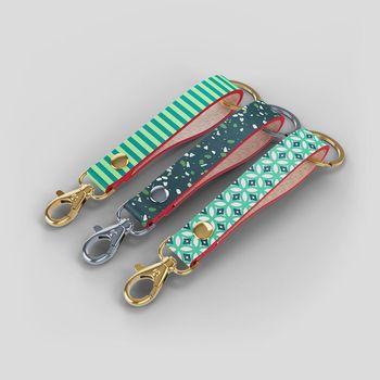 skräddarsydda nyckelkedjor med eget tryck